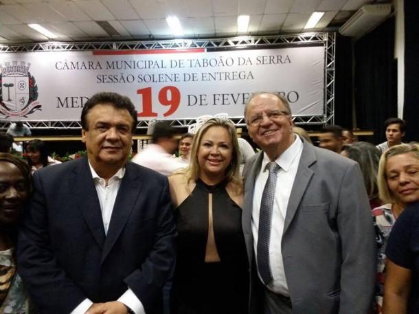 Vice-prefeito Laércio Lopes é homenageado pela vereadora Érica Franquini com a Medalha 19 de Fevereiro.
