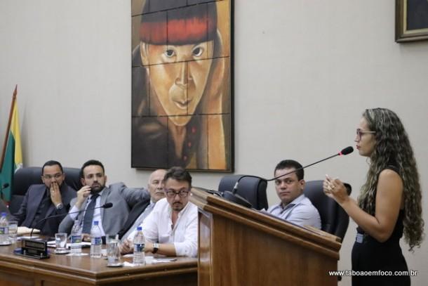 Rosângela Santos ataca vida pregressa do prefeito Ney Santos.