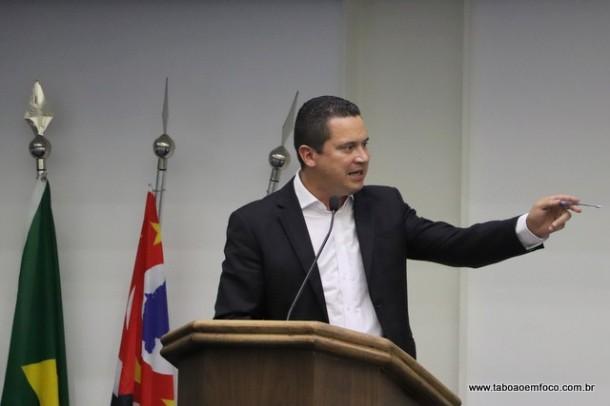Para Eduardo Nóbrega, o PSDB de Taboão da Serra precisa se posicionar publicamente e dizer quem são seus candidatos a presidente da Câmara no fim do ano e o sucessor em 2020.