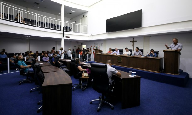 Audiência Pública discutiu aumento do IPTU  no bairro Jardim Saint Moritz. (Foto: Divulgação / CMTS)
