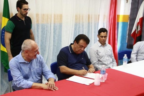 Convenio para reforma de escolas de Taboao e regiao_PMTS