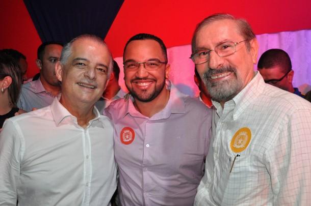 Prestes a assumir o Governo de São Paulo, Márcio França visita região e apóia pré-candidatura de Hugo Prado, que tem o ex-prefeito de Taboão, Evilásio Farias, como um dos aliados. (Foto: Divulgação)