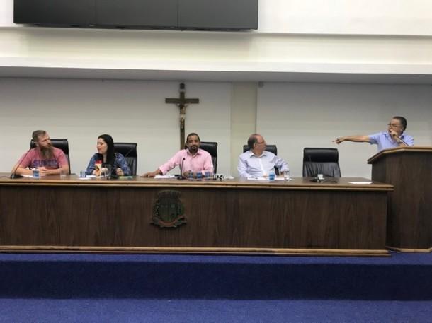 Reunião do Consulti na Câmara de Taboão da Serra. (Foto: Sandra Pereira / CMTS)