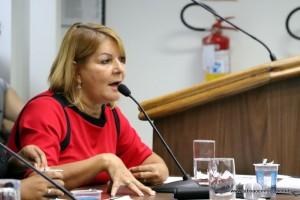 Arlete Silva diz que fim de convênio está relacionado a abertura de um CRAS naquela região.