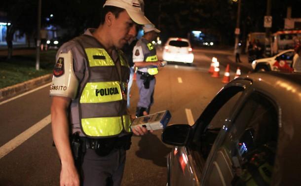 Seis motoristas foram autuados por embriaguez ao volante e terão que pagar multa de quase R$ 3 mil. (Foto: Reprodução / CBN Campinas)