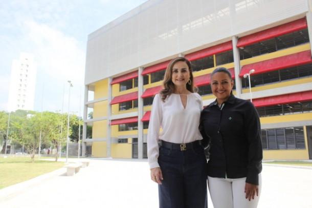 A presidente Joice Silva recentemente esteve com a deputada Analice Fernandes numa visita a recém inaugurada ETEC Taboão. (Foto: Divulgação / Thiago Walter)