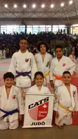 Judocas de Taboão da Serra participaram do Campeonato Paulista Inter-Regional, realizado em 22/4, em Santos. (Foto: Divulgação / Murilo Sant'Anna)