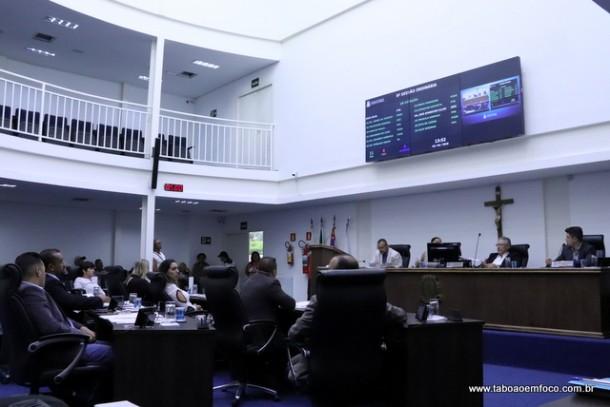 Câmara aprovou três projetos encaminhados pelo prefeito Fernando Fernandes.