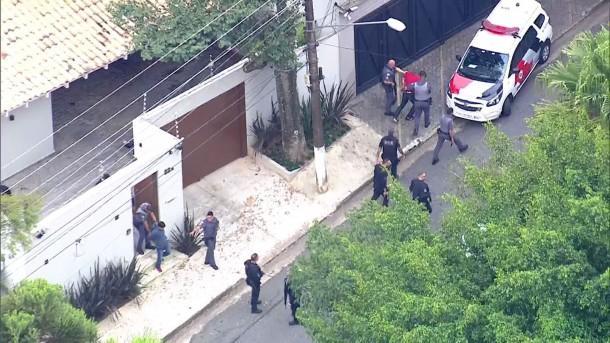Polícia prende dois homens acusados de matar delegado da PF durante assalto no Morumbi. (Foto: Reprodução / TV Globo)