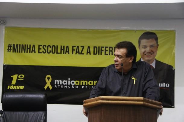 Fernando Fernandes acusa vereador Moreira de utilizar situação de ONG para fins políticos. (Foto: Reprodução - Facebook Fernando Fernandes)