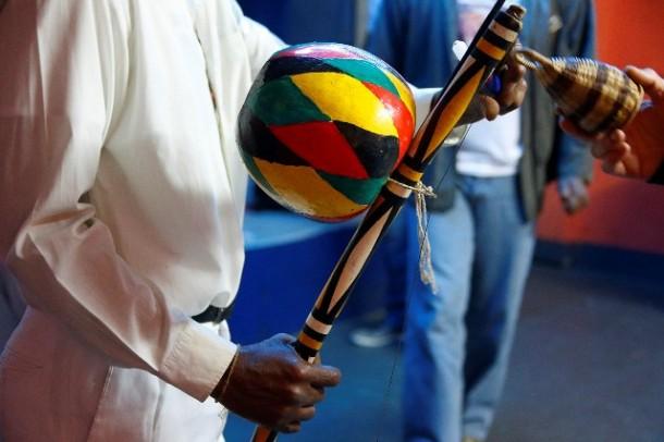 Secretaria de Esportes de Taboão da Serra oferece aulas de capoeira gratuitas. (Foto: Marcos Santos / Usp Imagens)