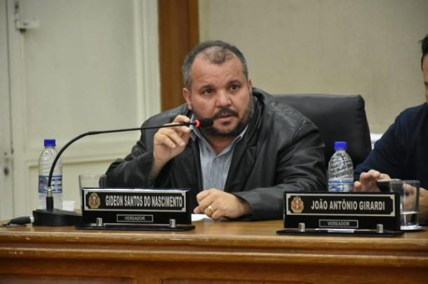 Vereador Gideon Santos teve início de AVC durante sessão na Câmara de Embu das Artes.