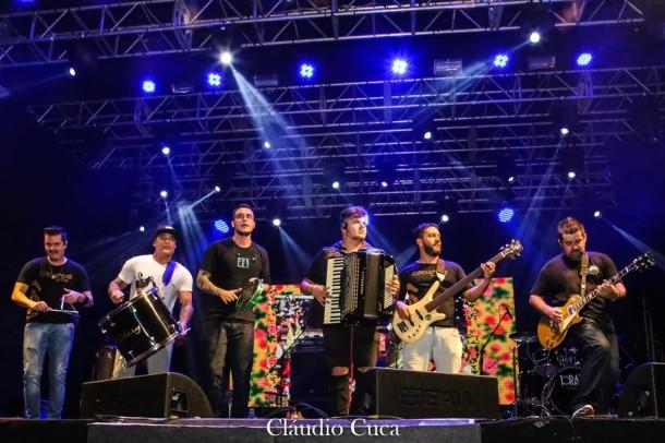 Banda Circuladô de Fulô é a atração do Quentão do Taboão neste sábado (7). (Foto: Reprodução)