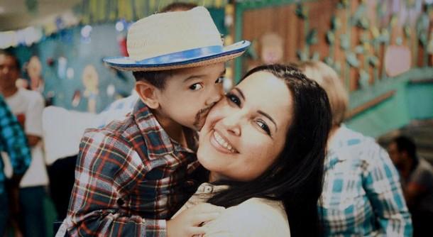 Joice Silva elogiou participação de alunos, pais e toda a comunidade nas festas juninas das escolas municipais de Taboão. (Foto: Divulgação)
