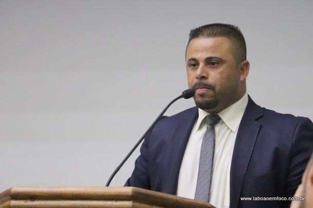 Alex Bodinho voltou a atacar o prefeito Fernando Fernandes durante sessão. (Foto: Arquivo)