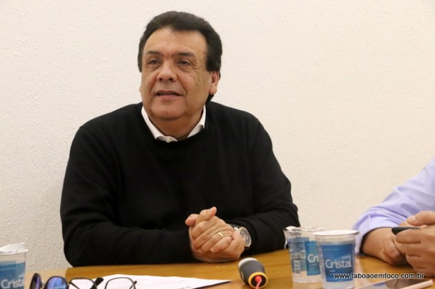 Prefeito Fernando Fernandes ainda não definiu percentual do aumento aos servidores, mas garante que fica acima da inflação. (Foto: Arquivo)