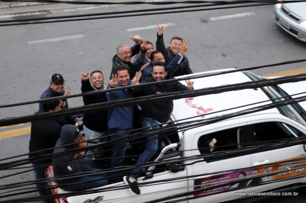 Nem desfile - com muitos fogos e buzinaço - foi capaz de fazer os vereadores de Taboão da Serra a darem uma votação expressiva a Ely Santos.