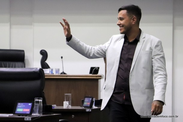 Johnatan Noventa pode abrir mão de disputar a reeleição para Câmara de Taboão e disputar o cargo de prefeito de Estância, no Sergipe.