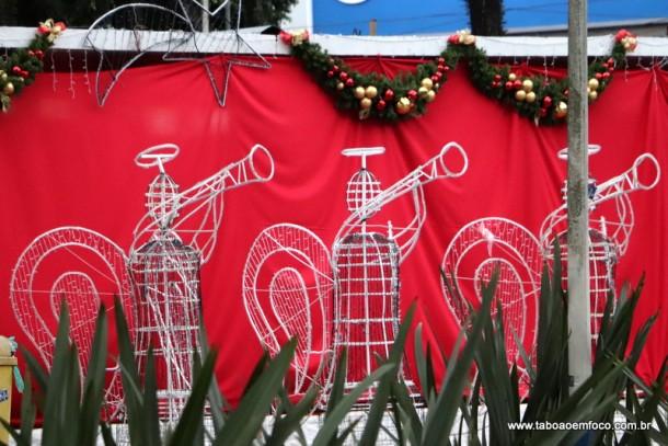 Decoração de Natal de Taboão da Serra deve atrair milhares de pessoas a partir do fim de semana.
