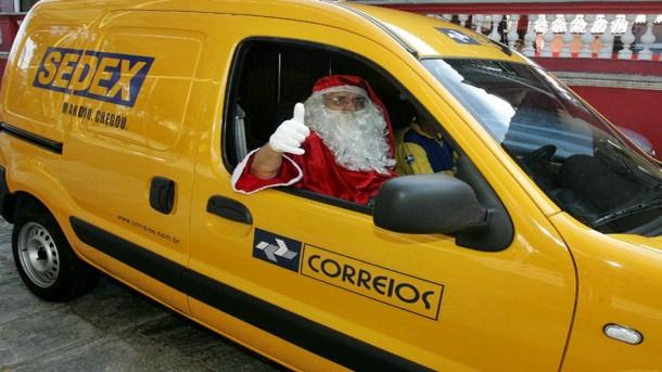 Papai Noel dos Correios vai entregar presentes. (Foto: Reprodução)