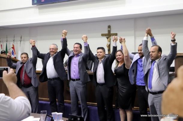 Paulinho 'abandona' antigo aliados, adere a vereadores da oposição e conquista a presidência da Câmara de Taboão da Serra.