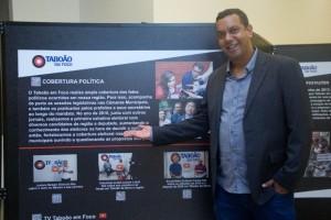 Jornalista Allan dos Reis, durante abertura da exposição, que conta a história de alguns veículos de imprensa na região. (Foto: Geizebel Melo / Iris Fotografia Digital)