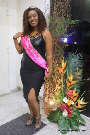 Miss Beleza Negra de Taboão da Serra 2018, Rubiane Cristina de França é moradora do Jardim Record e tem 36 anos.