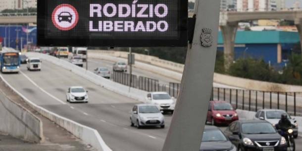 Neste feriado do Aniversário de São Paulo o rodízio municipal será suspenso.   Foto: metro Jornal