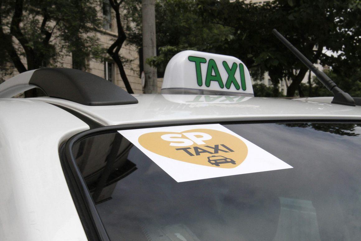 Táxi em São Paulo passa a cobrar 'bandeira 3' a partir de quinta-feira  (7)